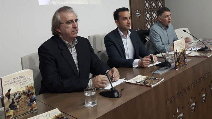 Ángel Olmedo y José Manuel Corbacho presentan el libro 'Tras las huellas de la memoria histórica en Extremadura (1936/2019)'