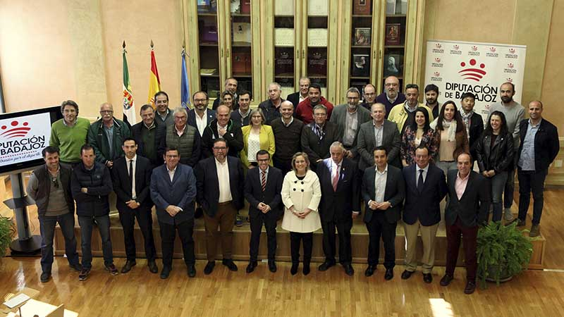 La Diputación de Badajoz reparte 260.000 euros entre varias federaciones deportivas