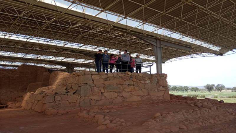 Plena inclusión Cabeza del Buey visita el yacimiento de Cancho Roano