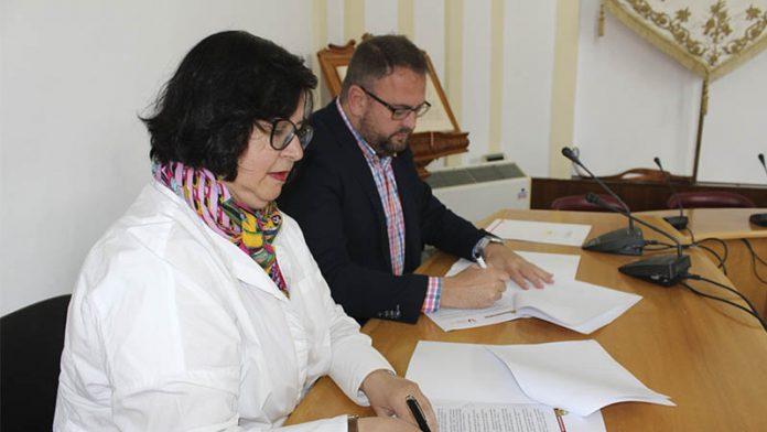 La Plataforma del Voluntariado de Mérida y el Ayuntamiento firman un convenio de colaboración