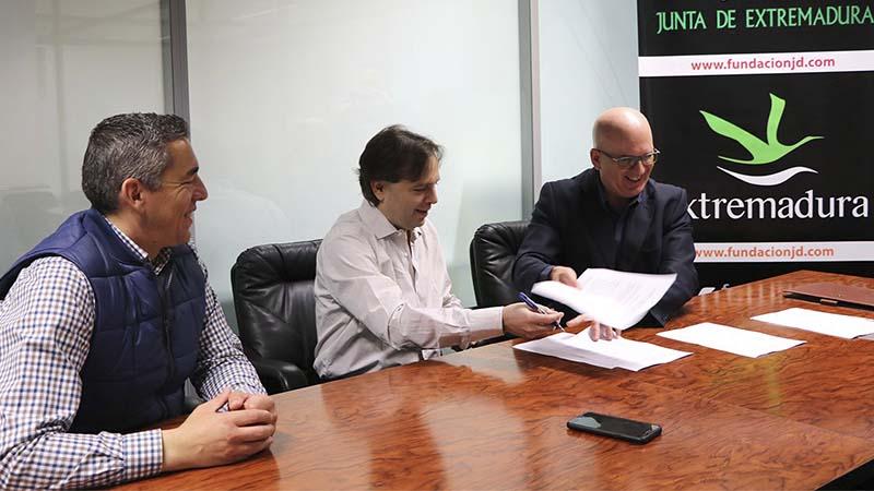 Convenio entre FIDE y Club Magic Extremadura