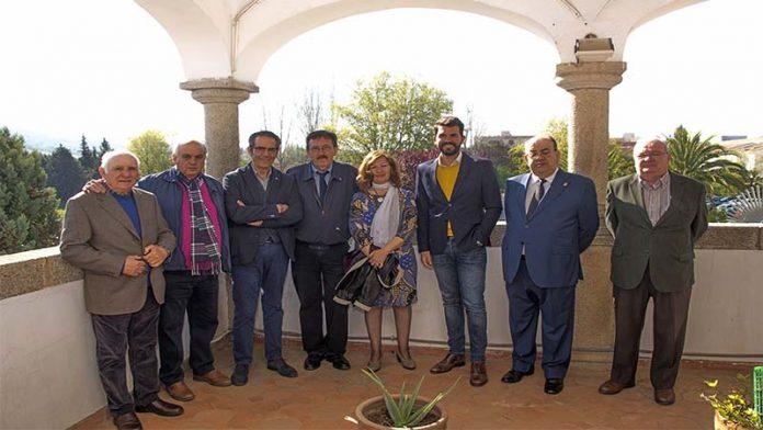 La Revista Alcántara presenta sus dos últimas ediciones, con Ceclavín y la Preciosa Sangre como protagonistas