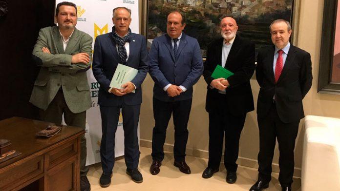 Caja Rural de Extremadura y el Colegio de Ingenieros Técnicos Agrícolas firman un convenio de colaboración