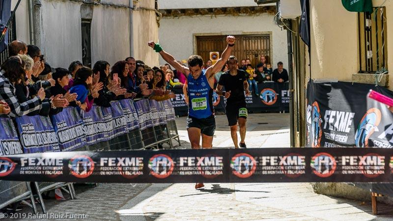 Asier Laruzea y Verónica Sánchez ganan la IX Carrera por montaña 'Garganta de los Infiernos'