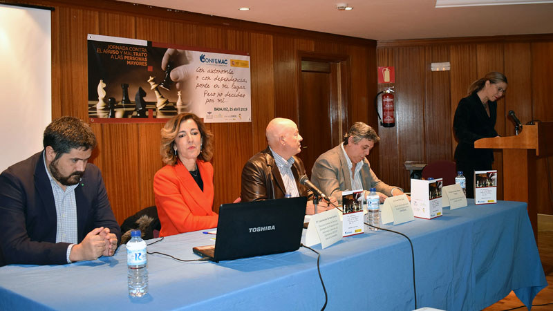 Confemac organiza en Badajoz la jornada 'Todos contra el abuso y maltrato a las personas mayores'