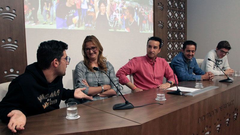 El centro de Educación Especial Los Ángeles de Badajoz graba un vídeo contra el acoso escolar