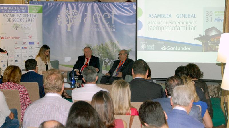 La Asociación Extremeña de la Empresa Familiar celebra su asamblea de socios en Jarandilla de la Vera