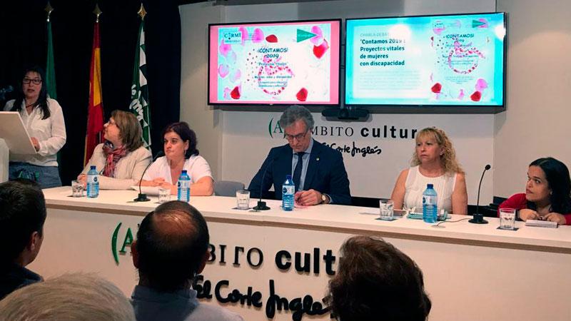 El Cermi muestra proyectos vitales de mujeres con discapacidad en El Corte Inglés de Badajoz