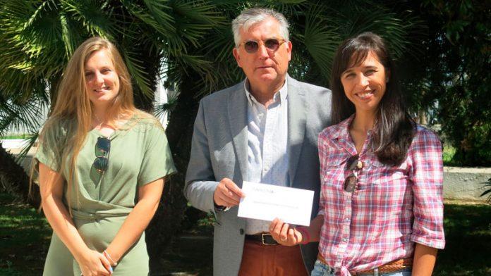 Ibercaja y Fundación CB entregan la recaudación de 'Canta chef' a Zooterapia Extremadura