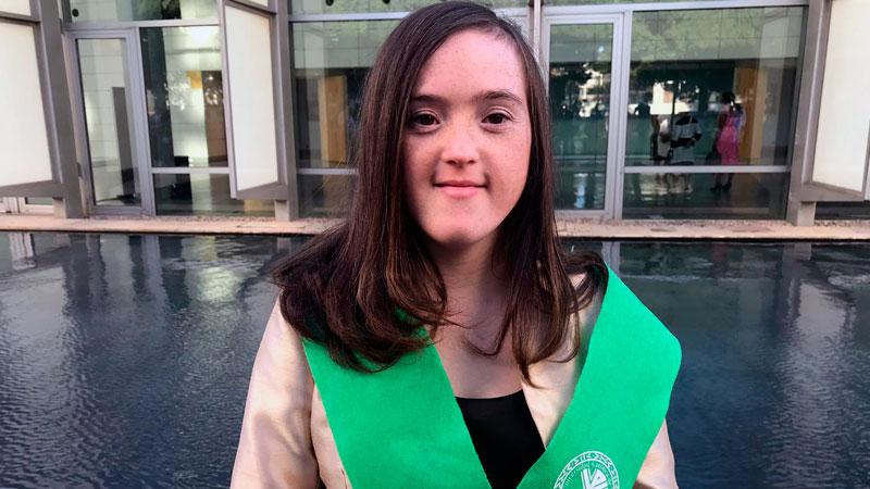 Blanca San Segundo es la primera persona con síndrome de Down que consigue un grado universitario en España