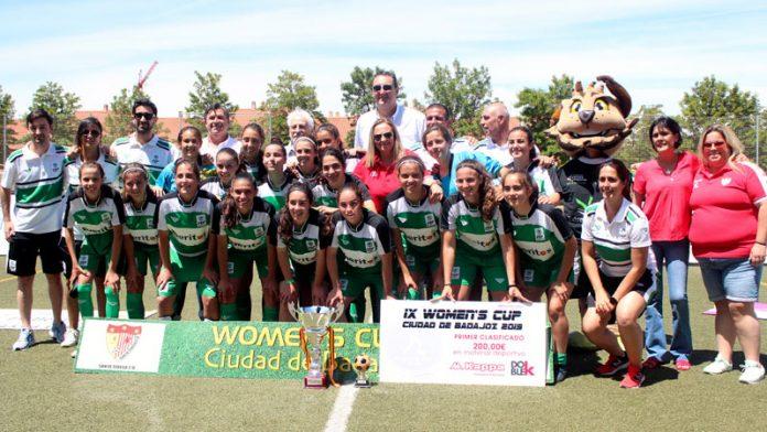 La selección femenina extremeña de fútbol se impone en la IX Women's Cup Ciudad de Badajoz