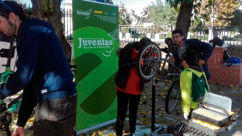 La Diputación de Cáceres desarrollará tres proyectos del Programa Operativo de Empleo Juvenil del Fondo Social Europeo. Grada 136
