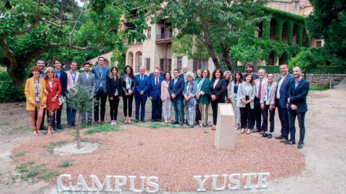 La Fundación Yuste clausura su seminario doctoral 'Premio Europeo Carlos V-Marcelino Oreja'. Grada 136
