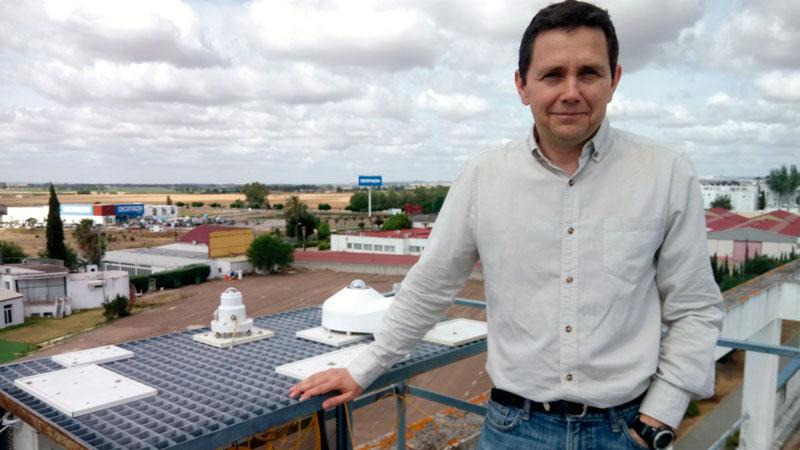 La Universidad de Extremadura informa a diario del índice UVI de radiación ultravioleta. Grada 136