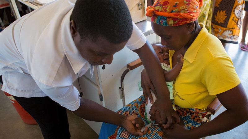 La Alianza para la vacunación infantil de La Caixa llega a más de cinco millones de niños en África y Latinoamérica