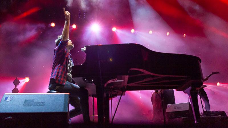 Pablo López y la mejor música de los 90 llenan de público el Alcazaba Festival 2019 de Badajoz