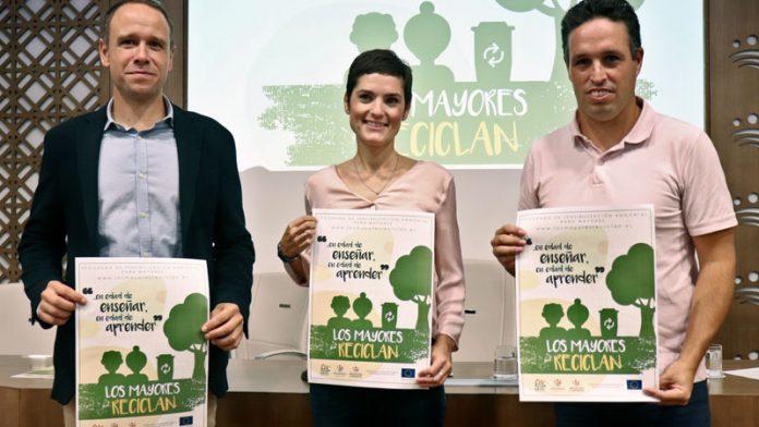 Promedio promociona la separación y el reciclaje de residuos en centros de mayores de las Vegas Bajas