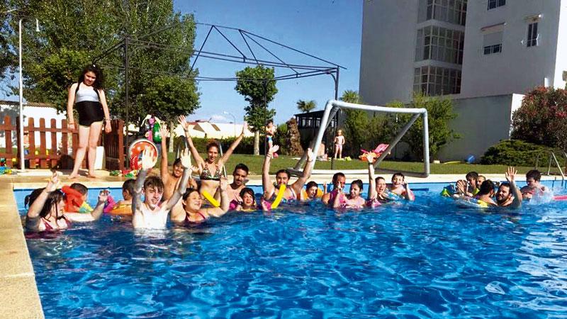 La Rucab acoge el campamento de conciliación familiar de Plena inclusión Extremadura. Grada 137. Fundación CB