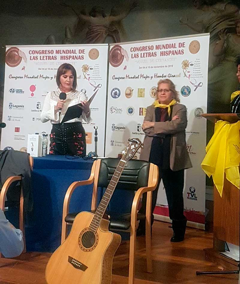 Julia Cortés Palma recibe el título de 'Embajadora Universal de la Paz'