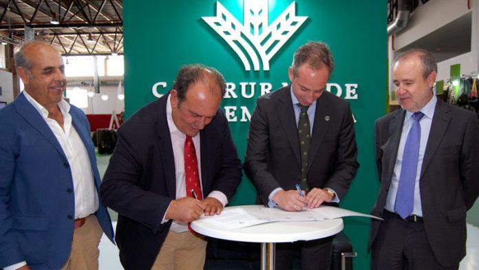Caja Rural de Extremadura renueva su convenio de colaboración con la Federación Extremeña de Caza