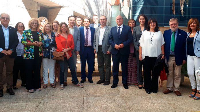 La Asamblea de Extremadura aprueba la Ley del Voluntariado por unanimidad
