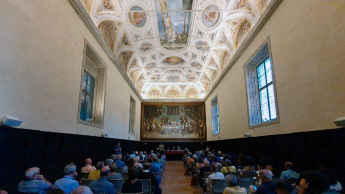 La Fundación Yuste participa en un seminario sobre los últimos 30 años de la Unión Europea. Grada 138