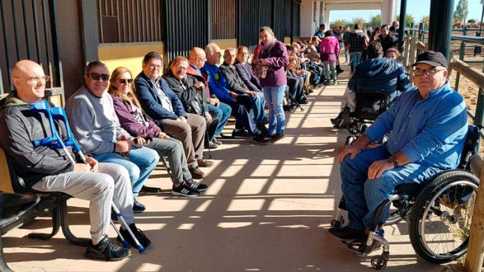 Cocemfe Badajoz acerca la zooterapia a los usuarios del servicio de habilitación funcional