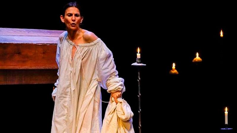 Representación de 'Juana, la reina que no quiso reinar' en Almendralejo