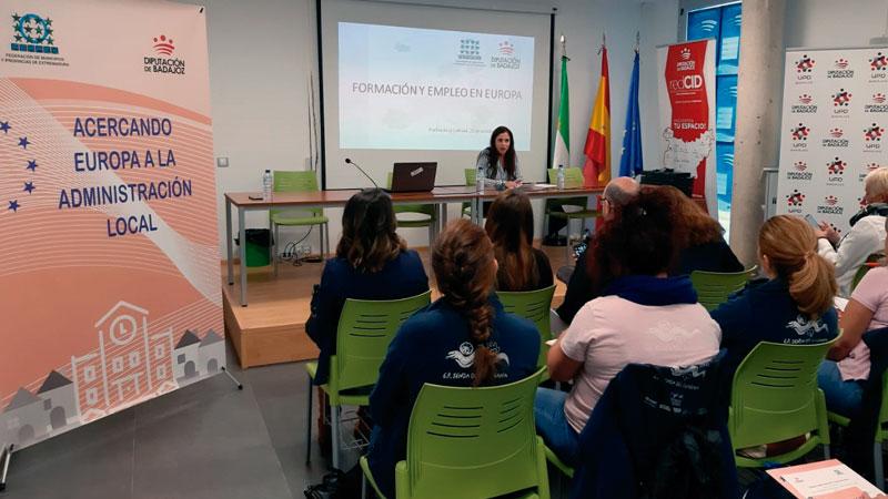 La Fempex colabora con la Diputación de Badajoz en la jornada 'Formación y empleo en Europa'. Grada 139