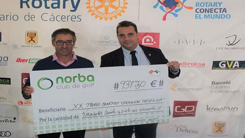 El Club Rotary de Cáceres recauda cerca de 1.500 euros en su torneo benéfico de golf