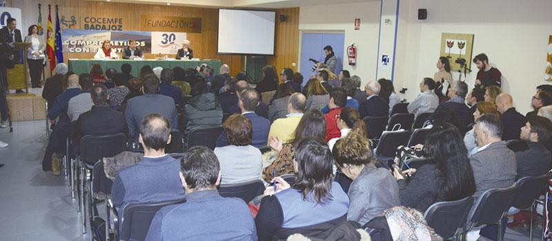 Aspecto del salón de actos de Cocemfe. Foto: Javier Meléndez