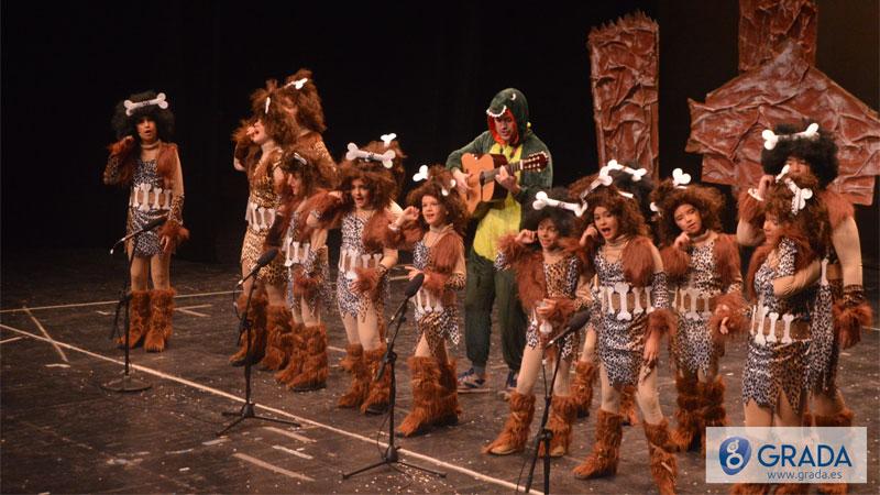 Los Minifol k que se quedan de Piedra - Agrupación de Coros y danzas