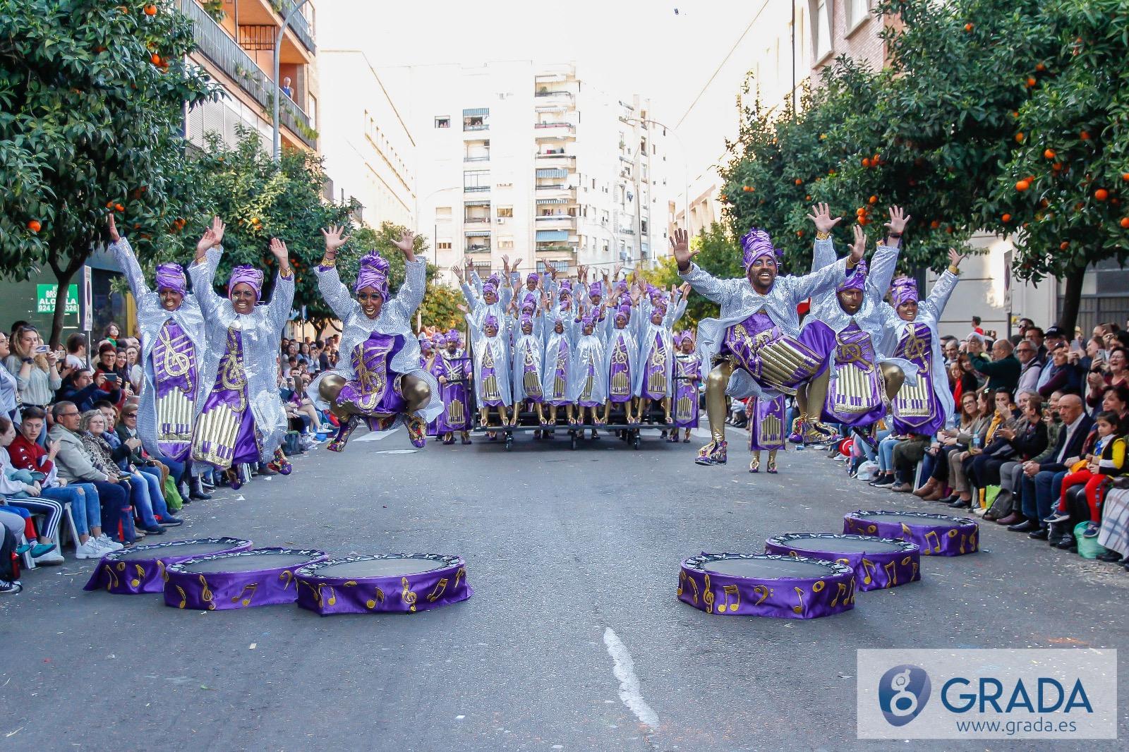 La Kochera gana el desfile de comparsas del carnaval de Badajoz 2020