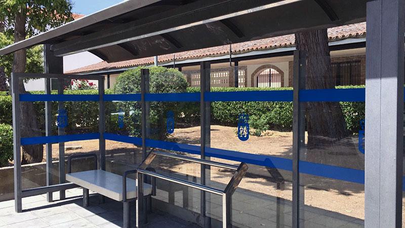 Actuación sobre accesibilidad en una parada de autobús. Foto: Cedida