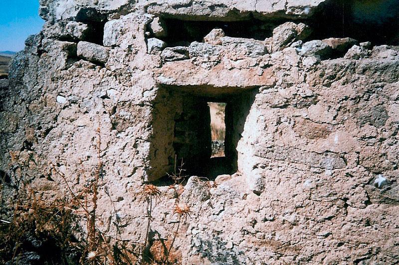 Detalle de una ventana de las celdas del convento. Foto: Cedida