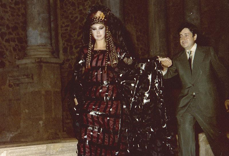Manuel Martínez-Mediero, con Victoria Vera en el estreno de 'Lisístrata' en el Festival de Mérida de 1980. Foto: Cedida