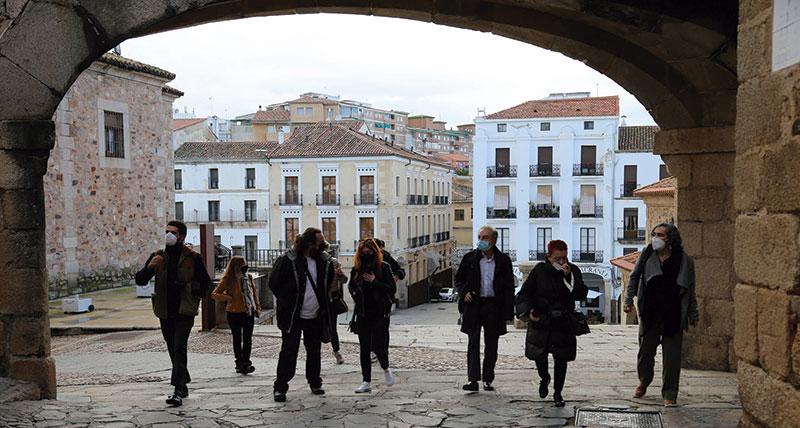 Visita de algunos de los artistas que participarán en 'Cáceres Abierto'. Foto: Cedida