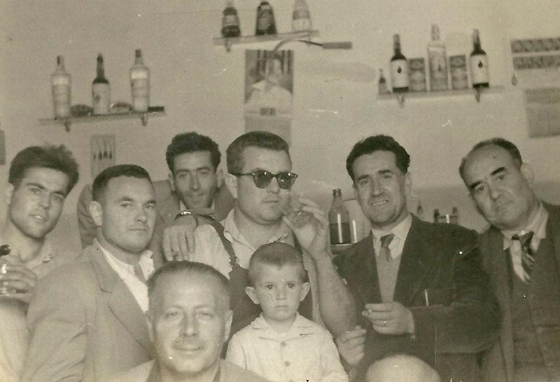Bar La Parada, de Puebla de la Reina. Década de 1950. Archivo de Matías Macías