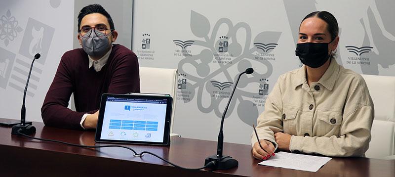 Ana Mansanet, acompañada de Fernando Barrena, presenta la plataforma 'Villanueva responde'. Foto: Cedida