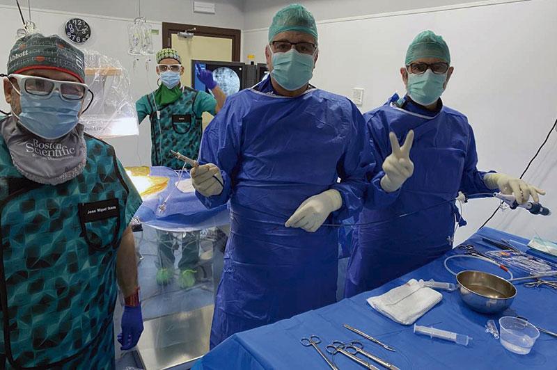El Hospital Universitario de Badajoz pone a prueba en España un nuevo marcapasos sin cables. Foto: Junta de Extremadura