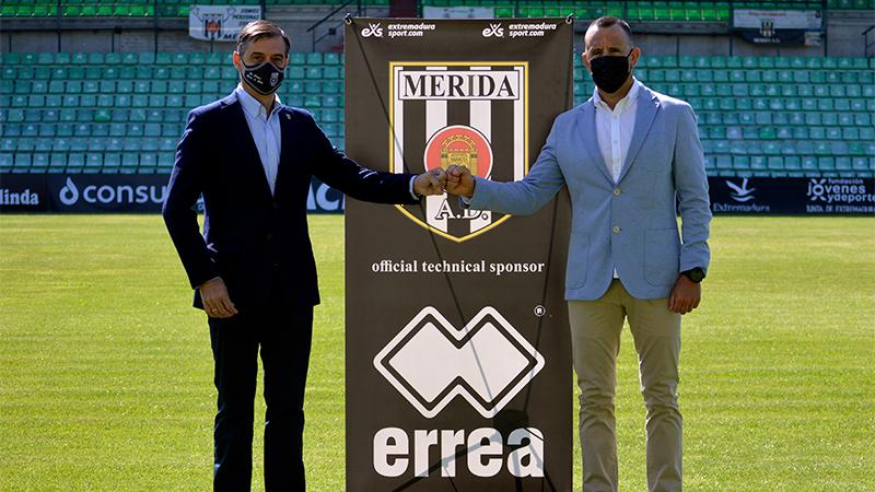 Presentación de la nueva marca que vestirá al Mérida. Foto: Cedida