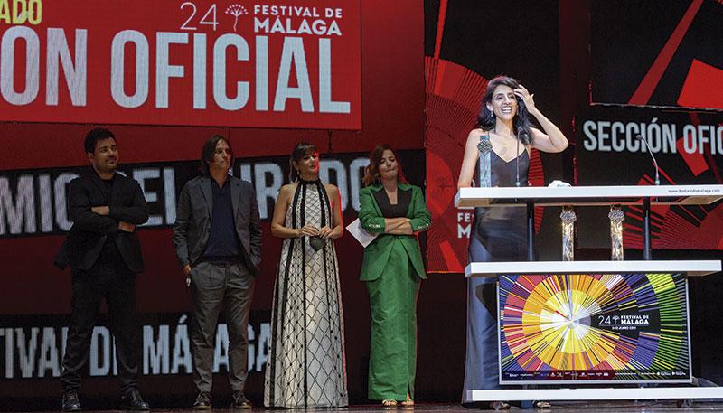 Ainhoa Rodríguez recibe la Biznaga de Plata por 'Destello bravío'. Foto: Festival de Málaga