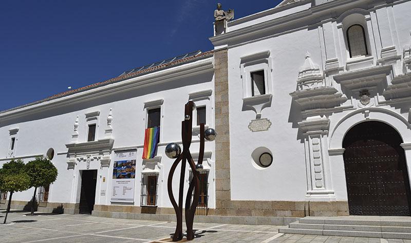La Asamblea se suma a la conmemoración del Día internacional del Orgullo LGTBI. Foto: Asamblea de Extremadura