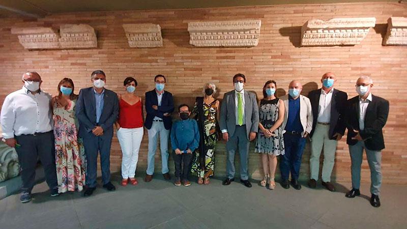 Autoridades asistentes a la presentación. Foto: Junta de Extremadura