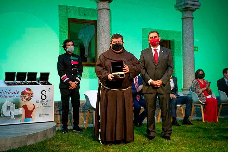 Medalla de Extremadura para el colegio San Antonio de Padua de Cáceres. Foto: Junta de Extremadura