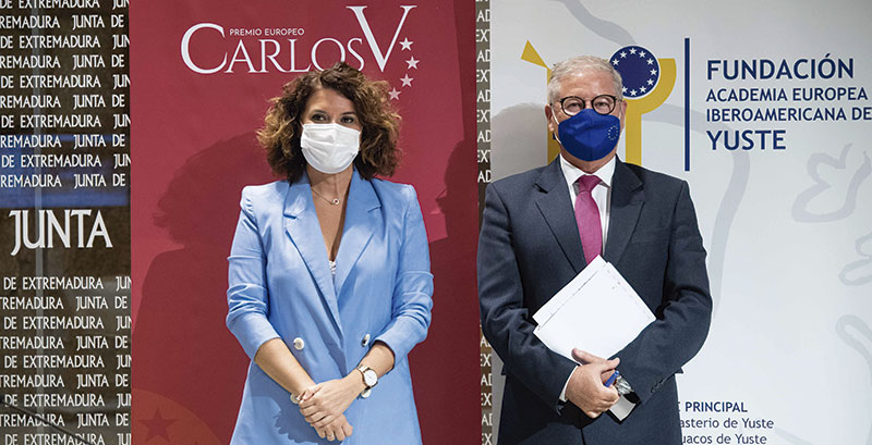 Rosa Balas y Juan Carlos Moreno, en el anuncio del Premio Carlos V. Foto: Rodian